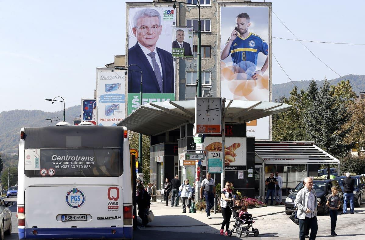 Vaalimainoksia Sarajevossa