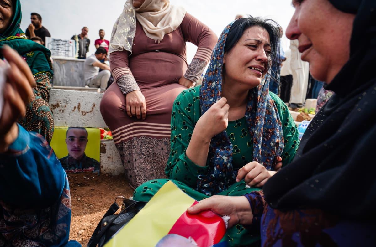 kurdihautajaiset