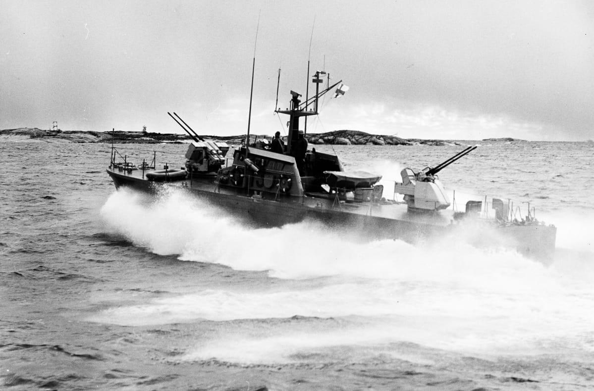 Nuoli-luokan tykkivene.