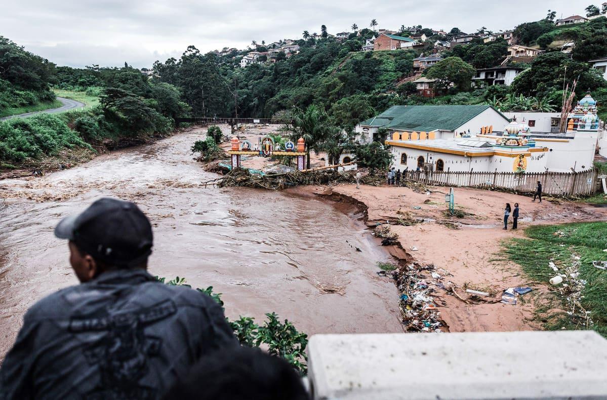 Tulvatuhoja Durbanin lähistöllä Etelä-Afrikassa.