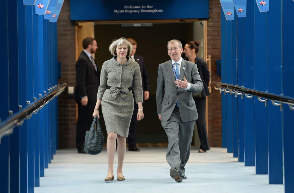 Theresa May ja hänen aviomiehensä Philip May saapuvat konservatiivien konferenssiin lokakuussa 2014.