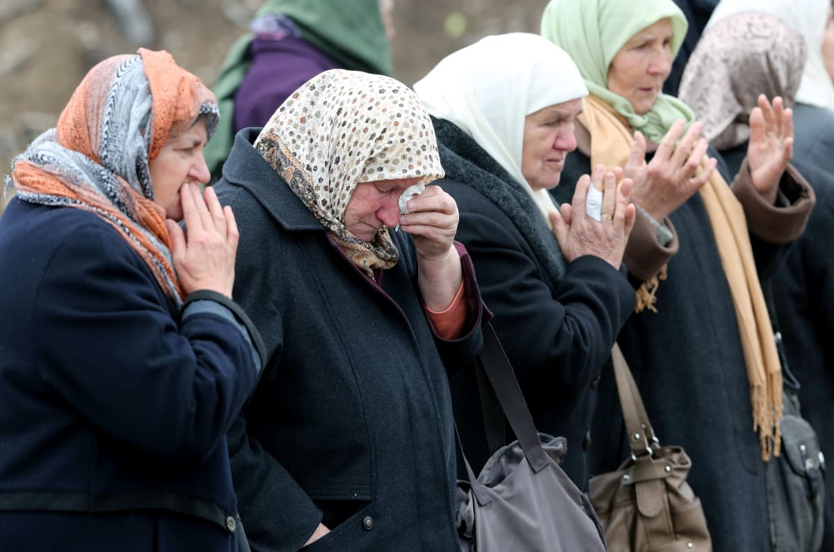 Srebrenican eloonjääneet surevat