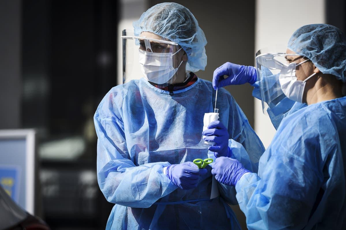 Vantaan kaupungin koronaviruksen drive in -testauspiste toukokuussa.