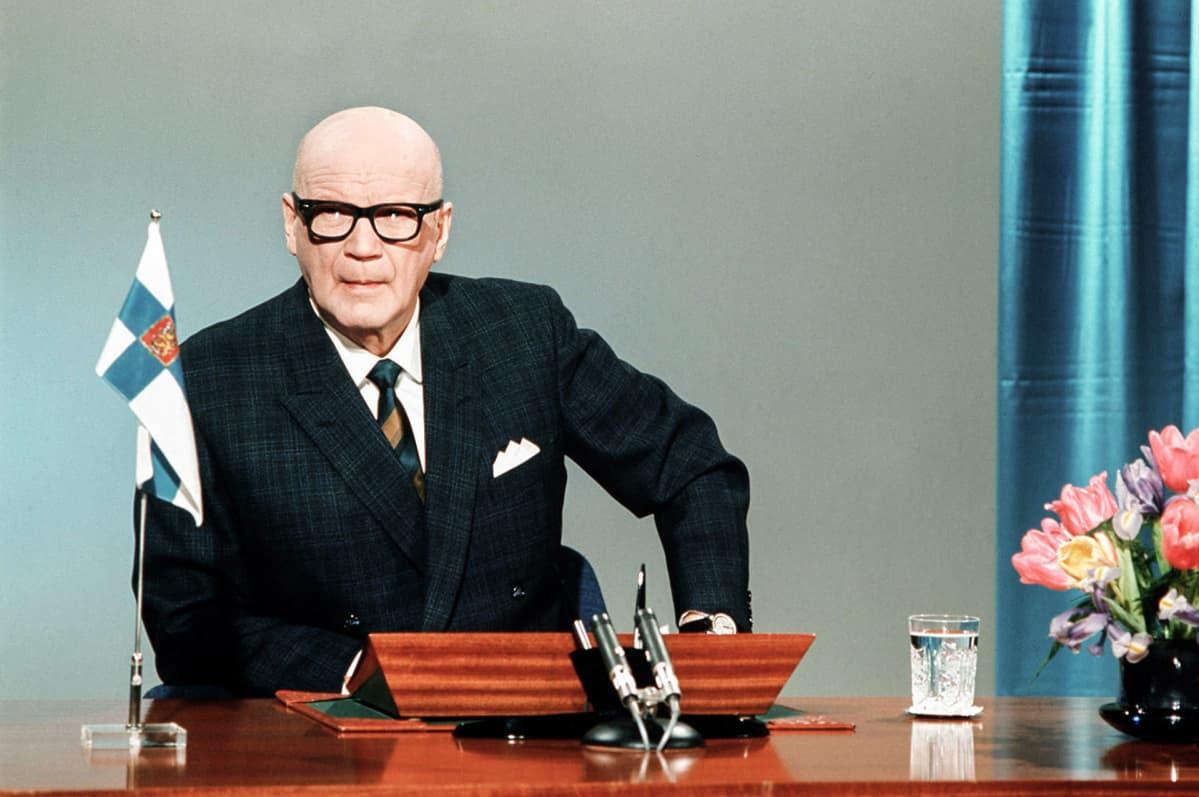 presidentin uudenvuodenpuhe Presidentti Urho Kekkonen 1.1.1972