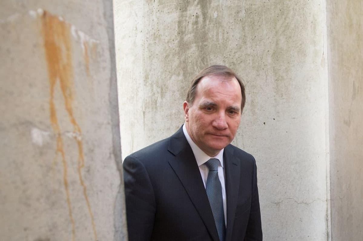 Ruotsin pääministerin mielestä maa kantaa kohtuuttoman suurta pakolaistaakkaa.