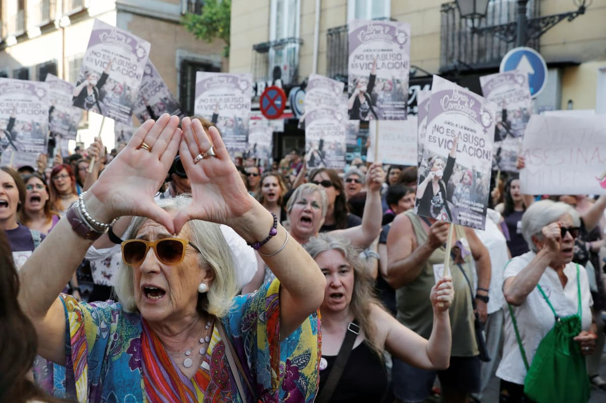 Feministiset liikkeet ovat Espanjassa kaikenlaisen tasa-arvon liikkeitä. Ne kiinnittävät huomiota myös seksuaalivähemmistöjen ja muunsukupuolisten oikeuksiin sekä arvostelevat usein kapitalistisia talousrakenteita.