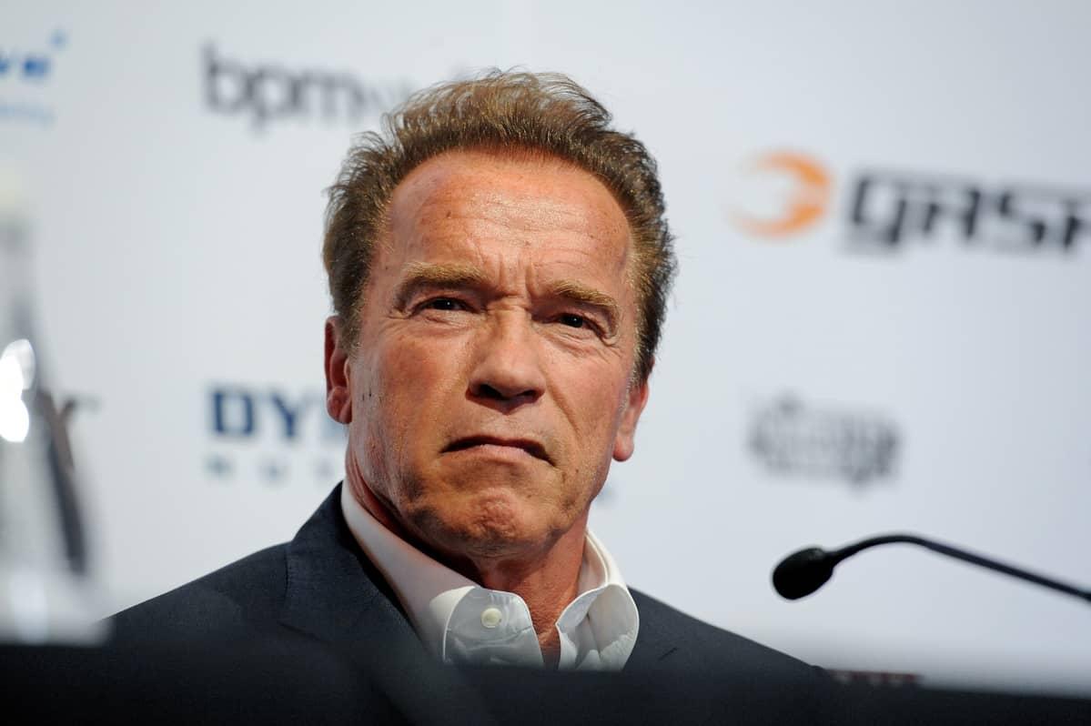 Arnold Schwarzenegger ja tuima katse.
