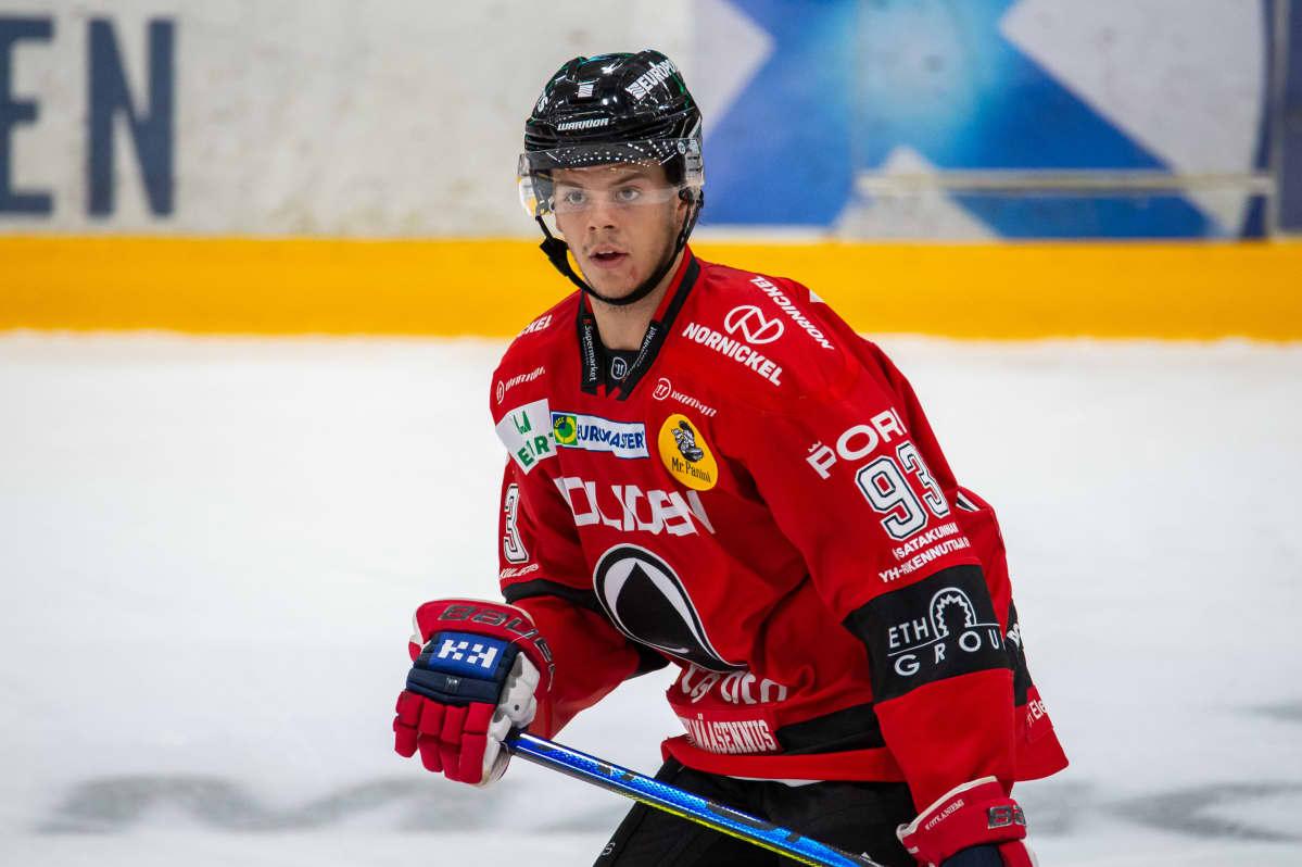 Jesperi Kotkaniemis saldo på två ligamatcher är 0 + 0 = 0.