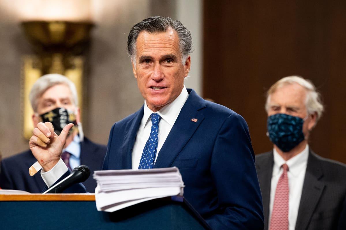 senaattori Mitt Romney puhuu 14.12.2020.