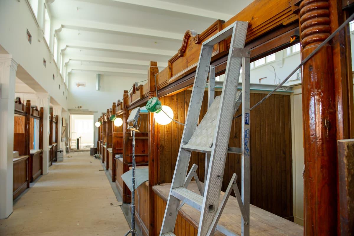 Hakaniemen kauppahallin remontti. 15.4.2021.