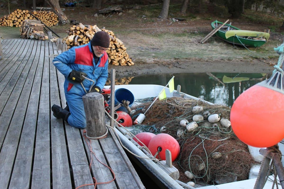 Katoaako kotimainen kalastus  – Alan kehitys on ollut matka kriisistä  toiseen 2e138bf0cb