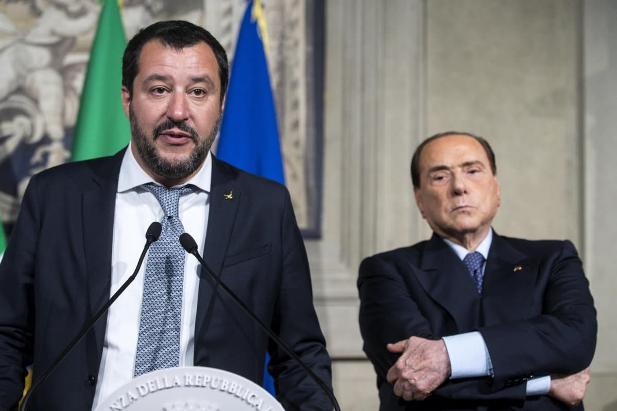 Legan puheenjohtaja Matteo Salvini ja Forza-puolueen puheenjohtaja Silvio Berlusconi.