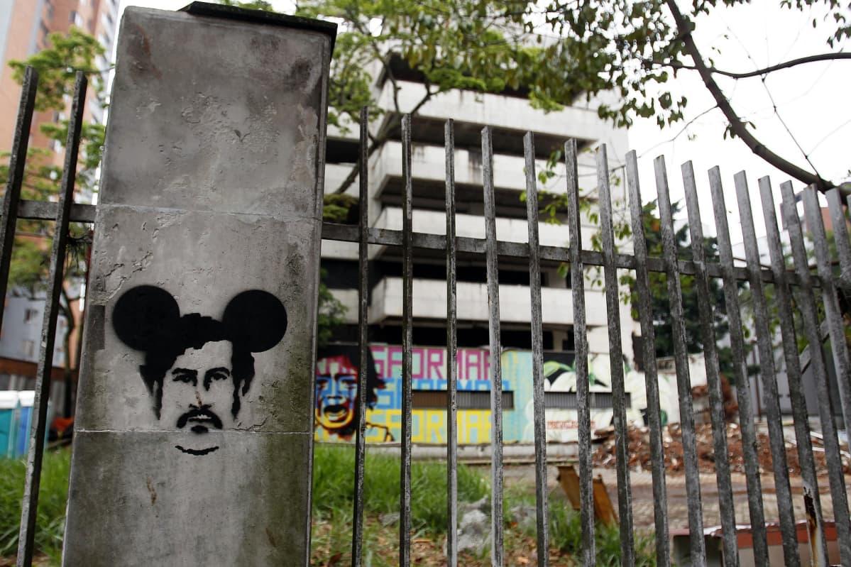 Escobarin asuintalo Medellinissä oli aiemmin myös turistien suosiossa.