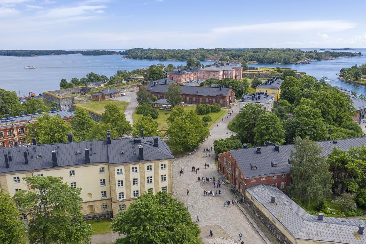 Ilmakuvassa on Suomenlinna heinäkuussa 2019.
