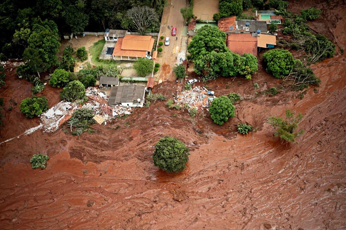 Vista aérea de um deslizamento de terra em Brumadinho, Brasil