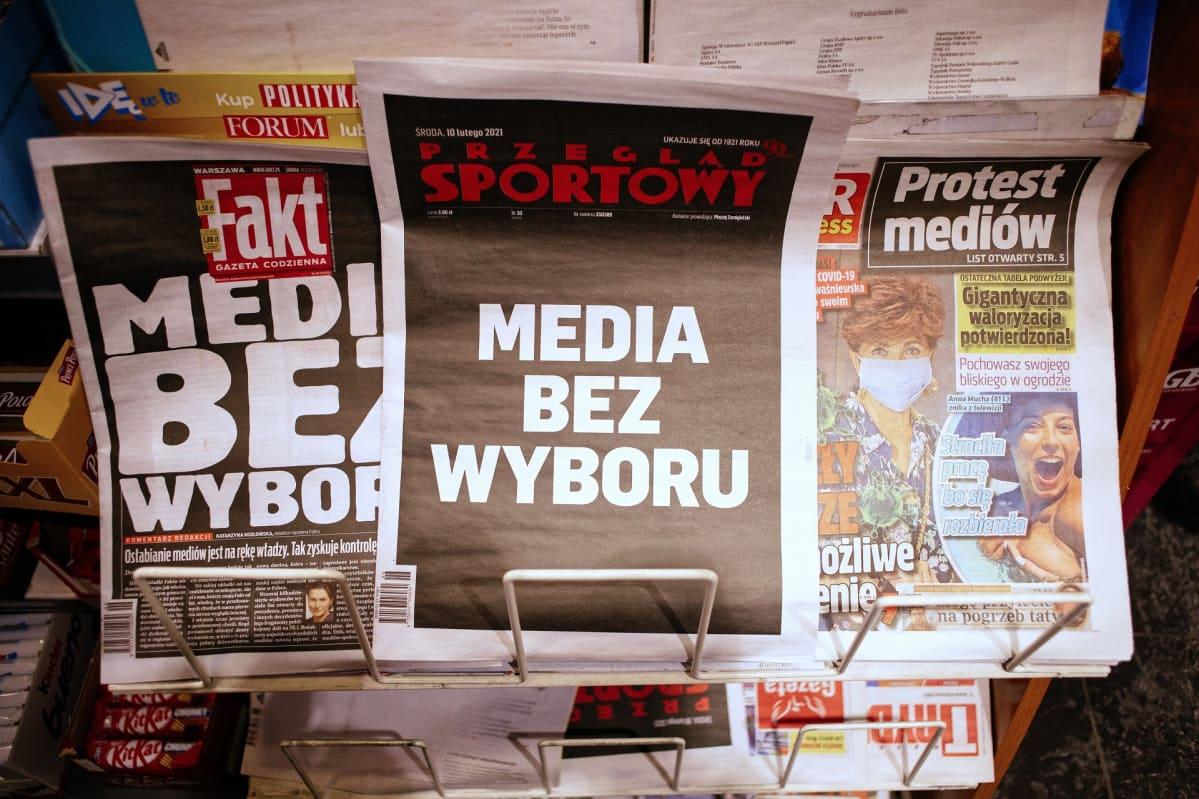 Puolalaisia sanomalehtiä