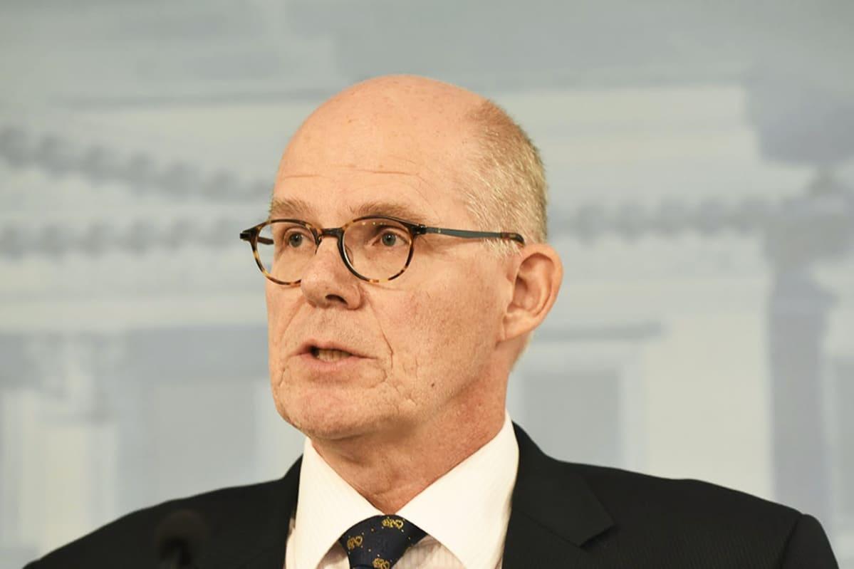 Puolustusministeriön kansliapäällikkö Jukka Juusti.