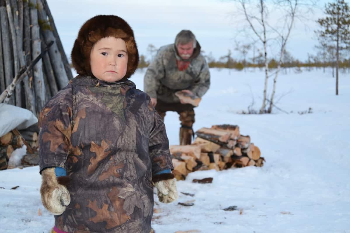 Suomalais-ugrilaisten hantien määrä on ollut viime vuosikymmeninä kasvussa, mitä on vauhdittanut muun muassa alkuperäiskansoille myönnetyt etuisuudet. Venäjällä elää tällä hetkellä noin 30 000 hantia, joista suurinosa ei puhu hantinkieltä.