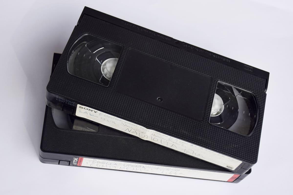 VHS-videokasetteja.