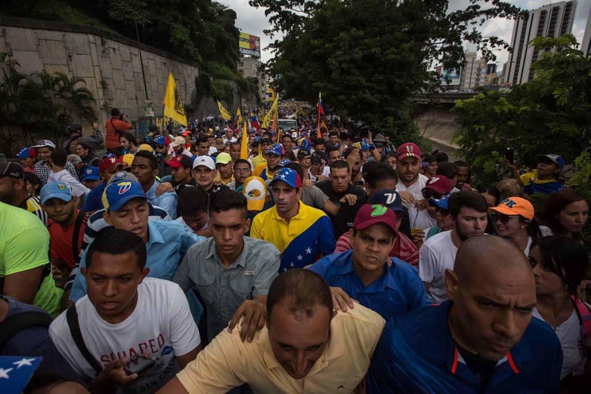 Venezuela oppositiojohtaja ja mielenosoittajia lokakuu 2016