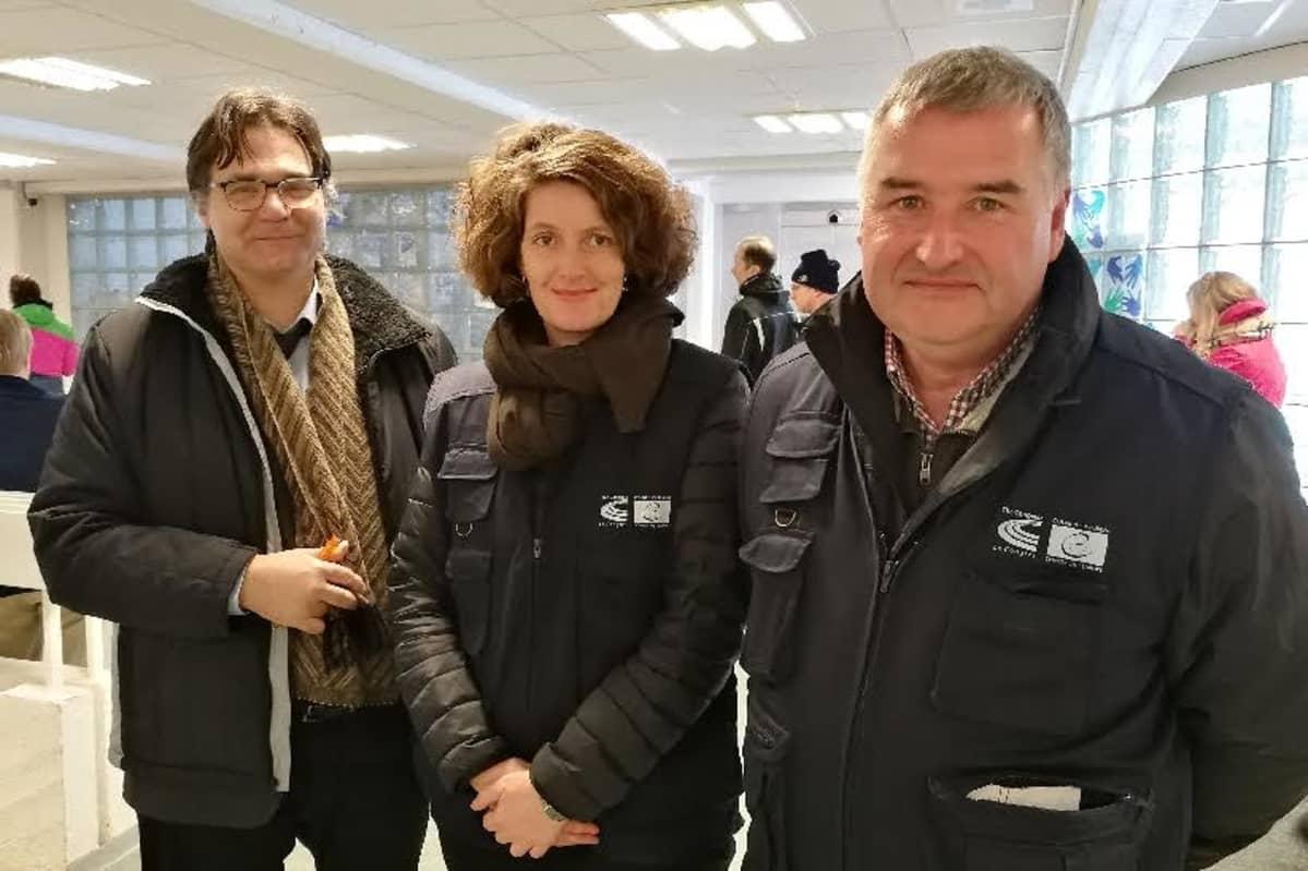 Rovaniemellä kuntavaalien äänestystä seurasivat Euroopan neuvoston vaalitarkkailijat Nikolaos Chlepas Kreikasta, Lela Hunziker Sveitsistä ja Karim van Overmeire Belgiasta.
