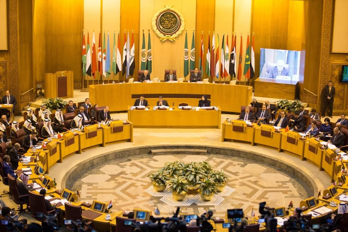 Arabimaat hätäkokouksessa Kairossa joulukuussa 2017.
