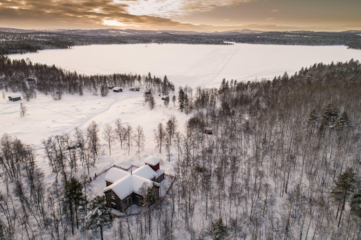Pielpajärven erämaakirkko helmikuussa 2020.