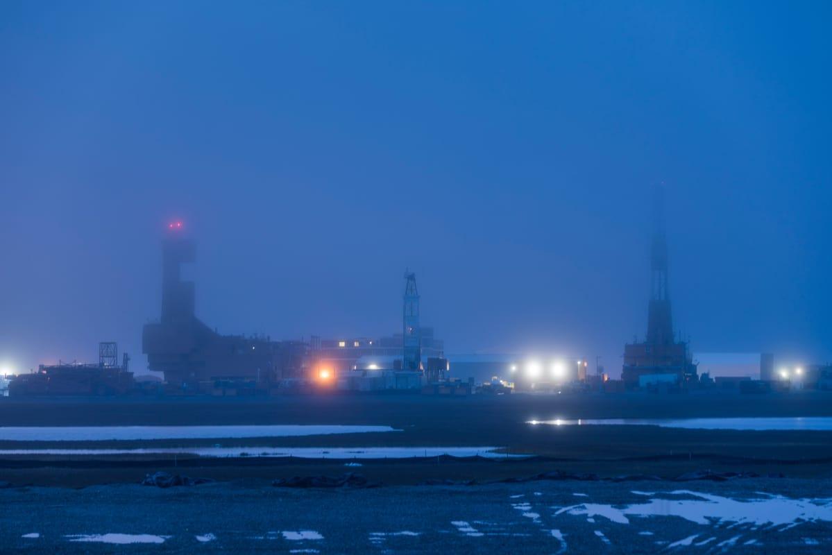 Öljynporausta Prudhoe Bayssä, Pohjois-Alaskassa