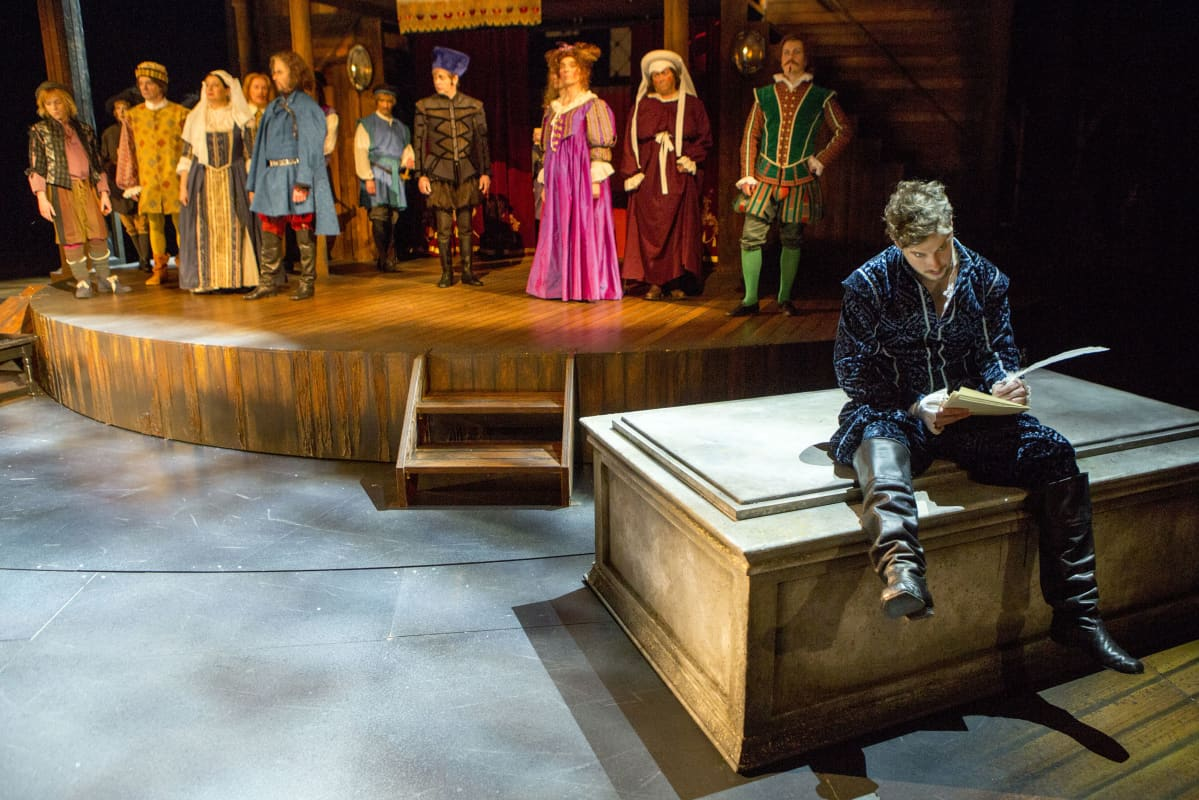 Rakastunut Shakespeare -näytelmä on Arffmanin oma ohjaus. Pääosan esittää Heikki Ranta.