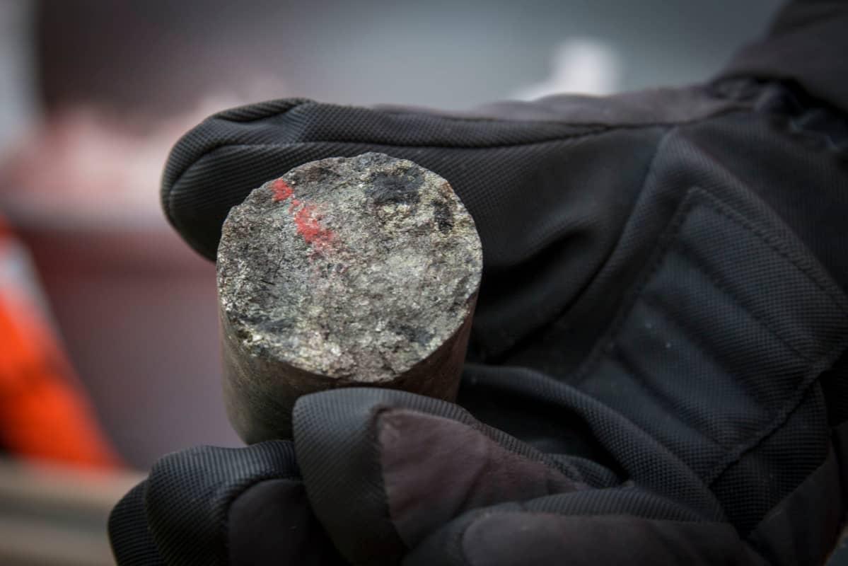 AA Sakatti Mining metallipitoinen koeporausnäyte Viiankiaavalta.