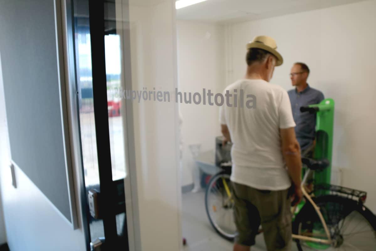 Penttilänrannan monisukupolvikorttelissa Joensuussa on polkupyörien huoltotila.