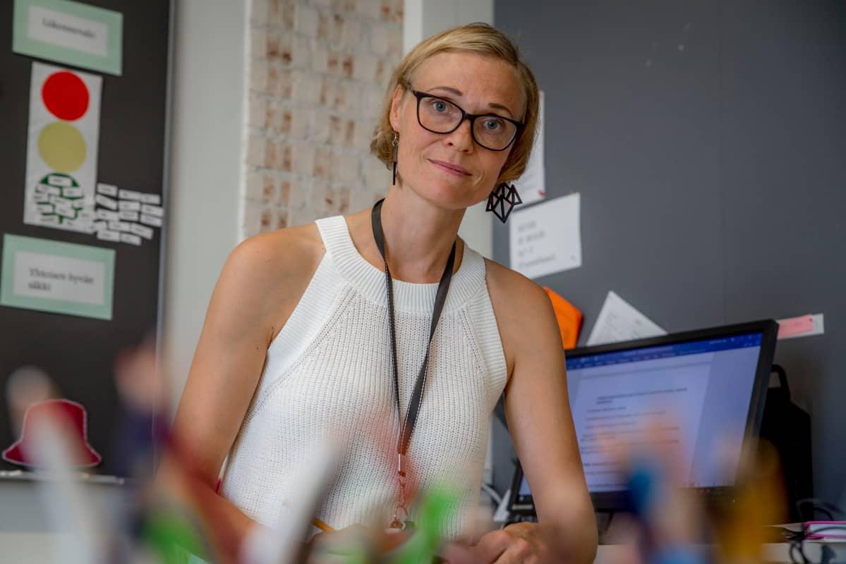 Taru Ikäheimonen, Saunalahden koulun luokanopettaja