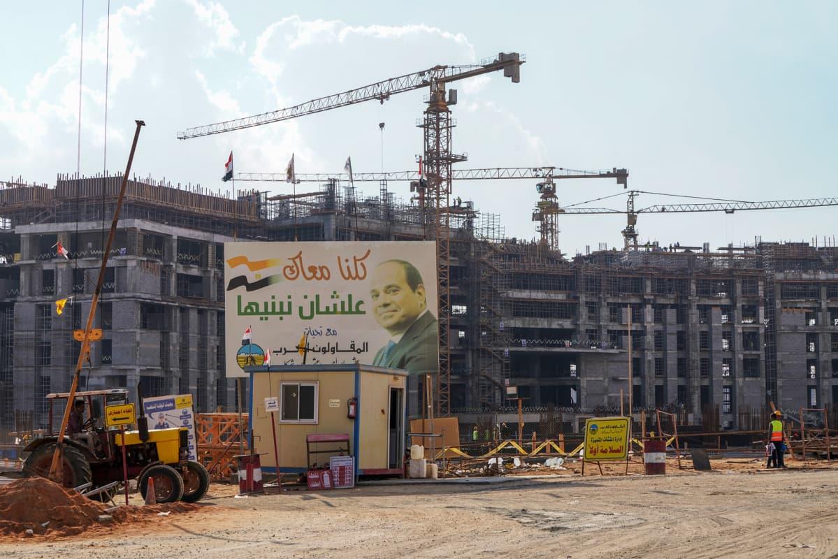 Rakentamista Egyptissä.