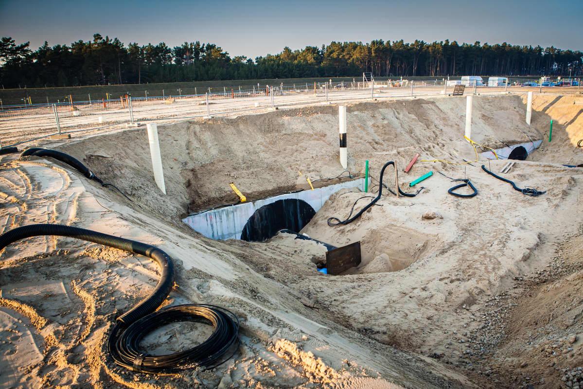 Tähän päätyvät Nord Stream 2-putket toistaiseksi. Tunneli on porattu mereltä tänne.