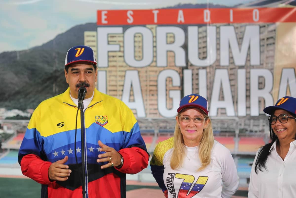 Maduro puhui stadiumin avajaisissa
