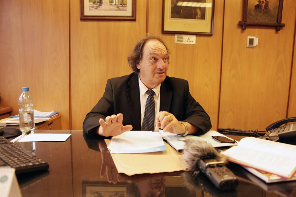 Kansanedustaja Eduardo Lust