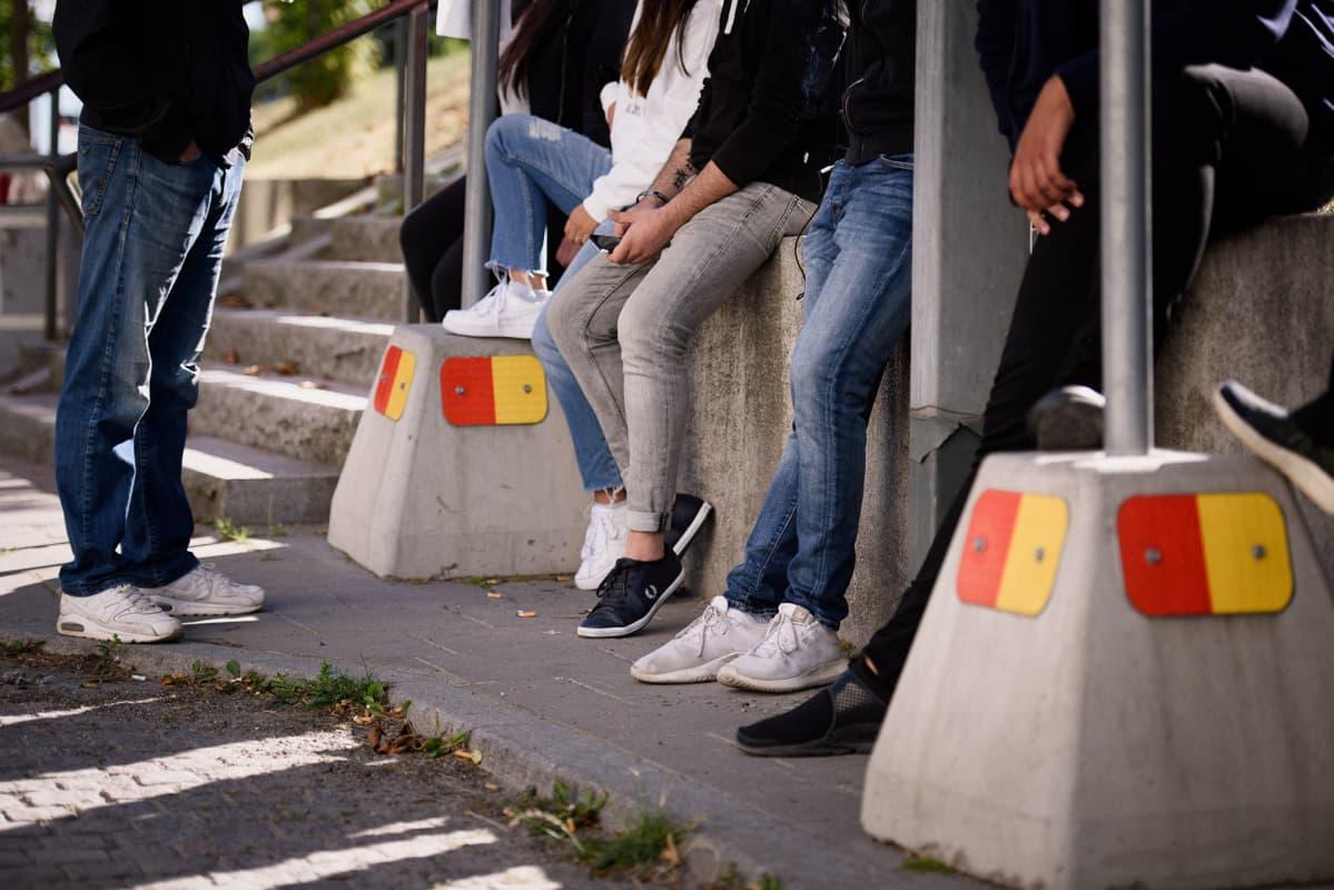 Nuoria Tukholmassa.