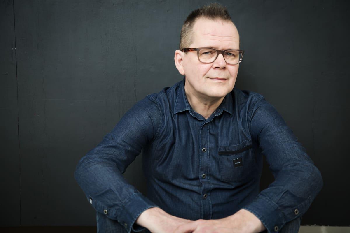 Kuvassa on Kari Hotakainen.