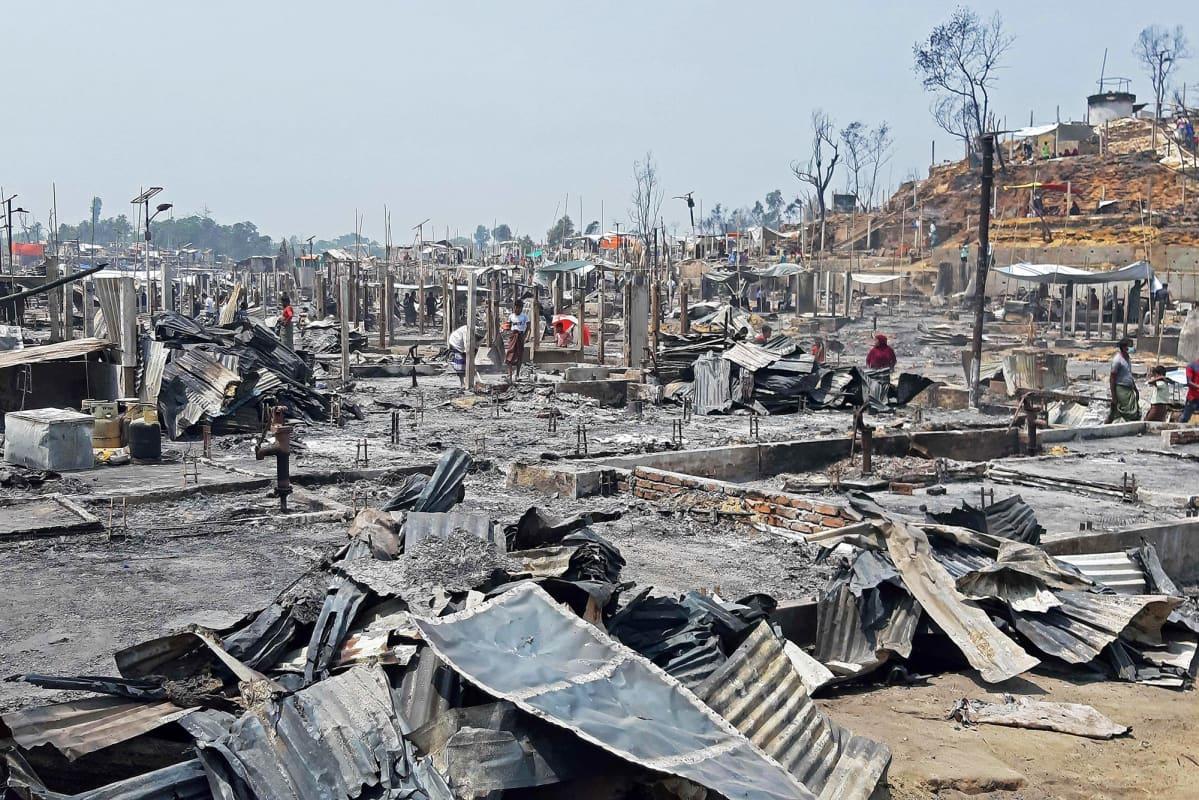 Palanut pakolaisleiri Ukhiassa, Cox's Bazarissa Bangladeshissa.