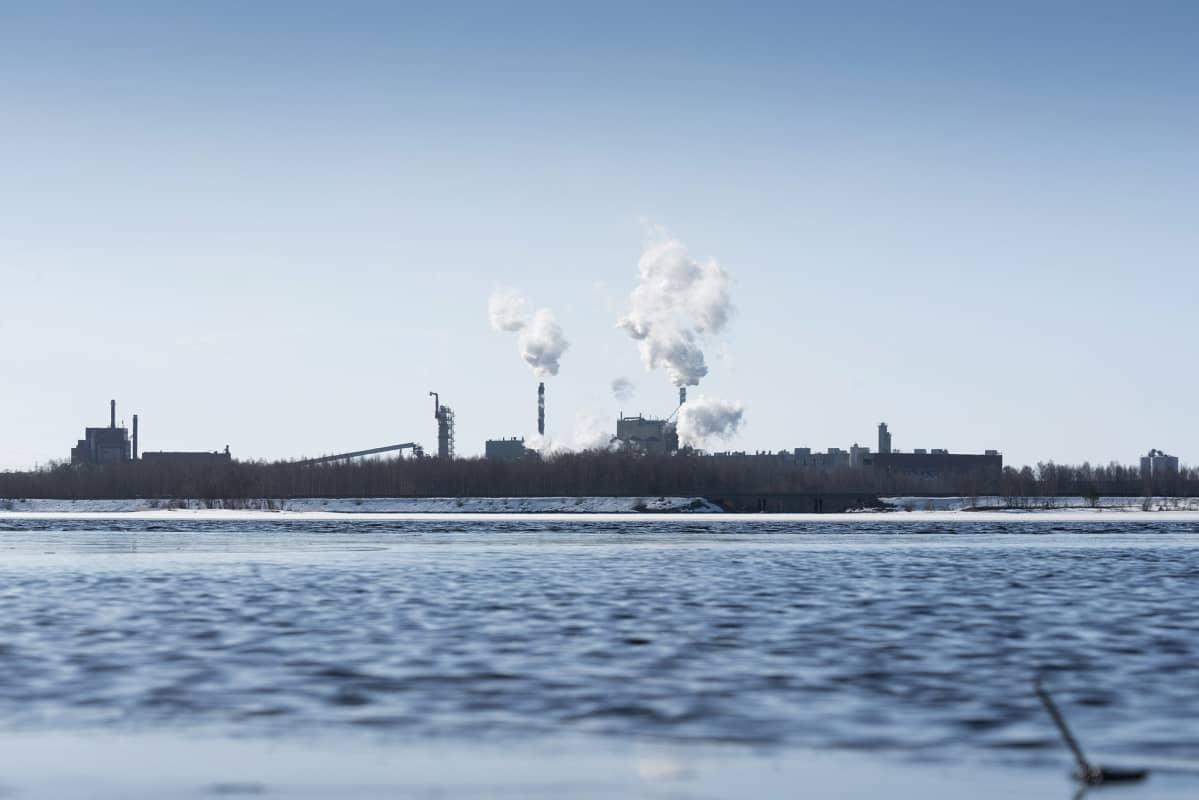 Stora Enson Veitsiluodon tehtaat Kemissä 20. huhtikuuta.