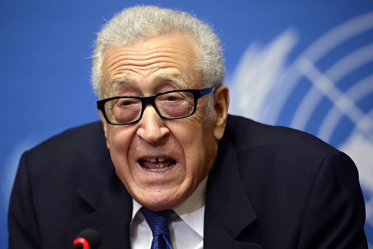 Lakhdar Brahimi helmikuussa 2014.