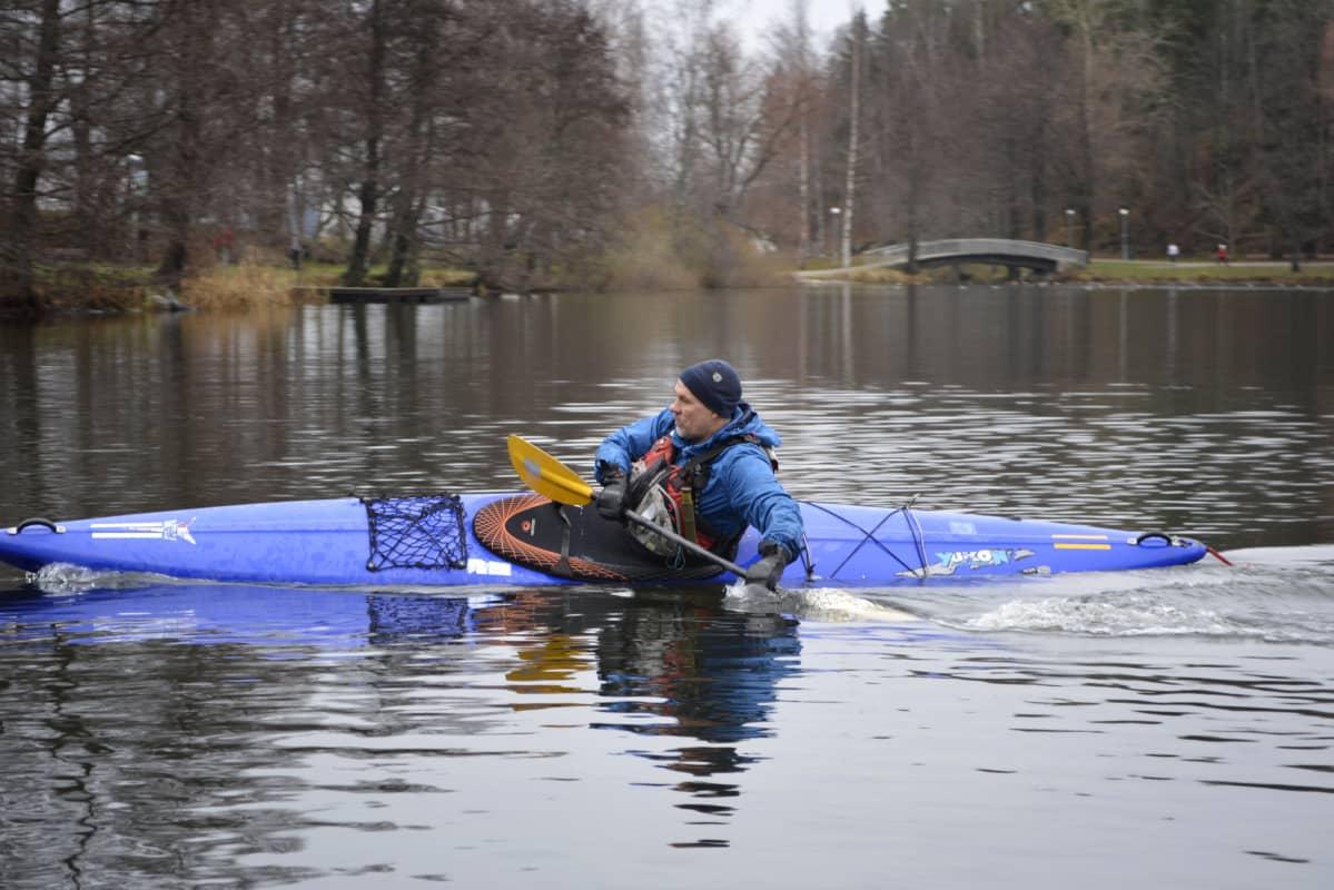 Matti Rehtola meloo Lahden Pikku-Veskulla.