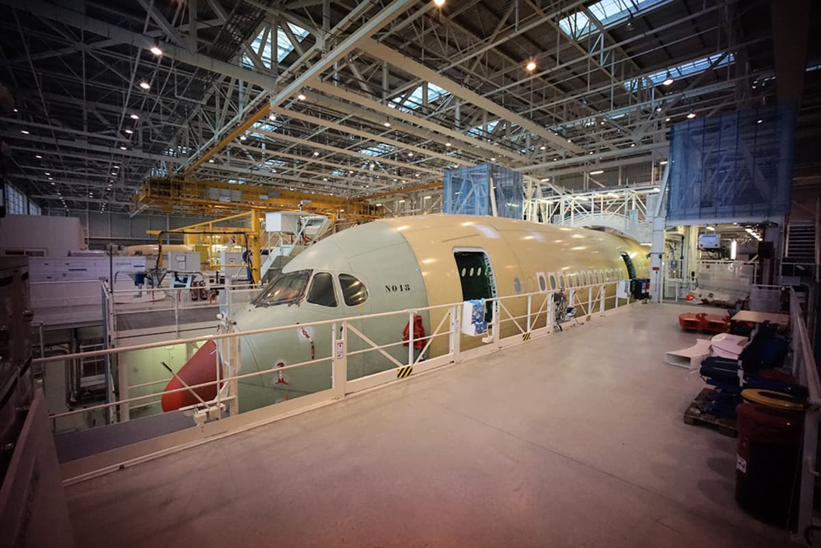 Airbus A350 tuotantolinjalla.