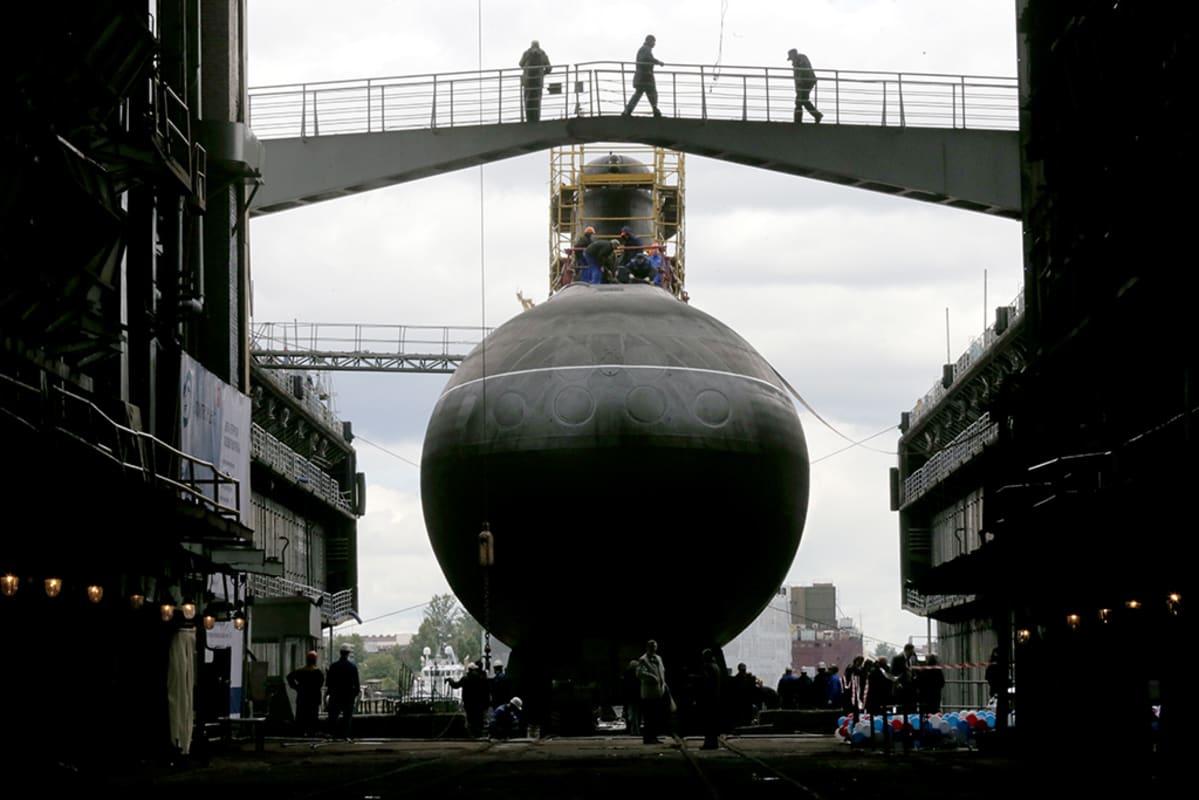 Sukellusvene Rostov-na-Donu Pietarin telakalla.