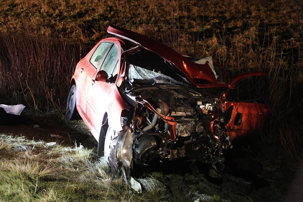 Auto-onnettomuus kuva.