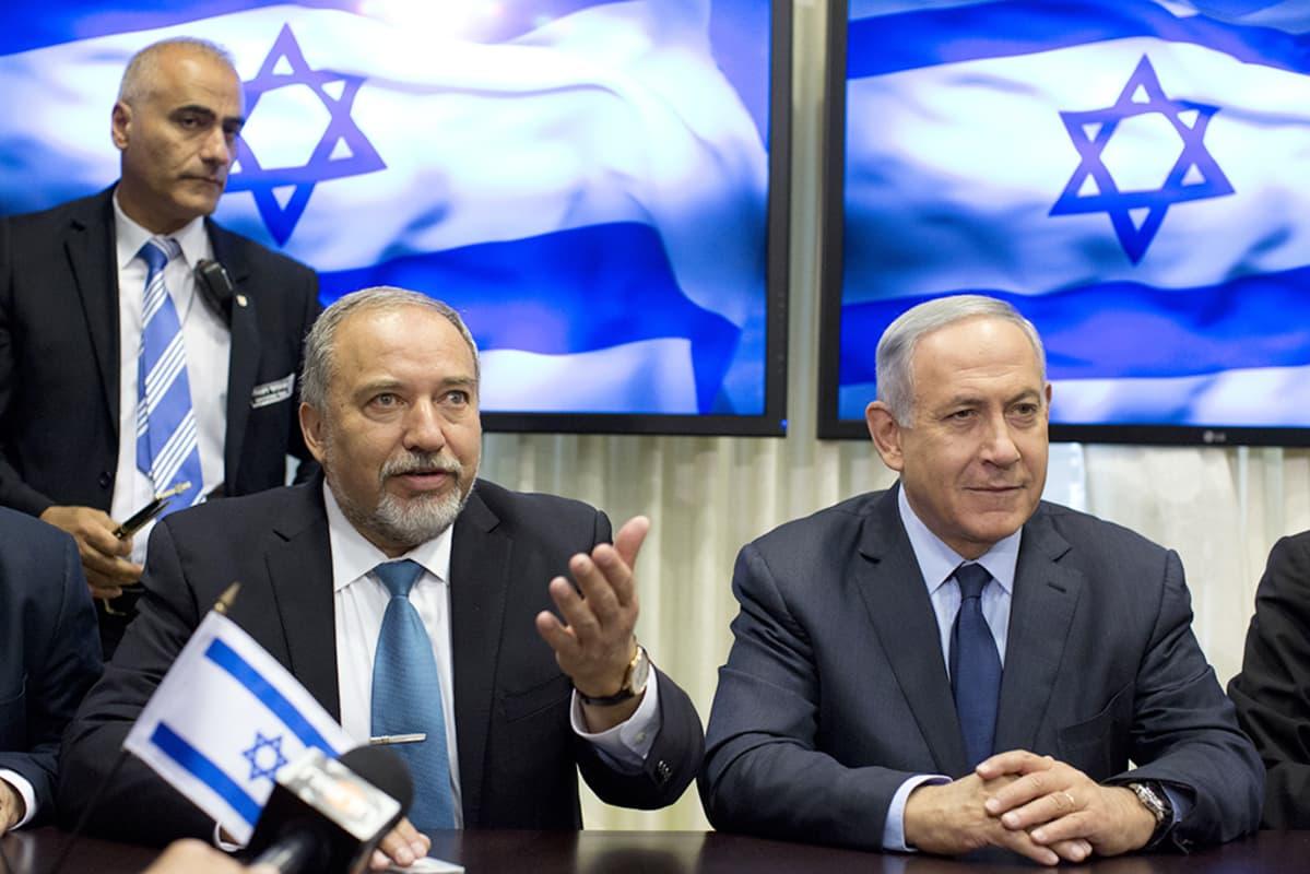 Avigdor Lieberman ja Benjamin Netanjahu.