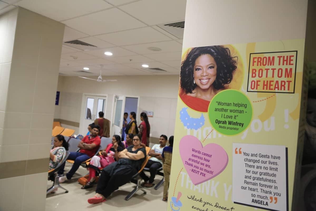 Tähtiklinikalla on monia tukijoita kansainvälisesti, kuten yhdysvaltalainen TV-showtähti Oprah Winfrey.