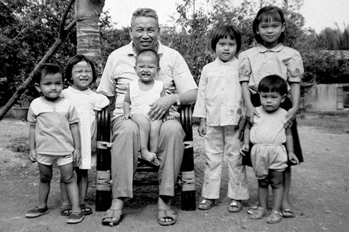 Pol Pot lapsenlapsineen