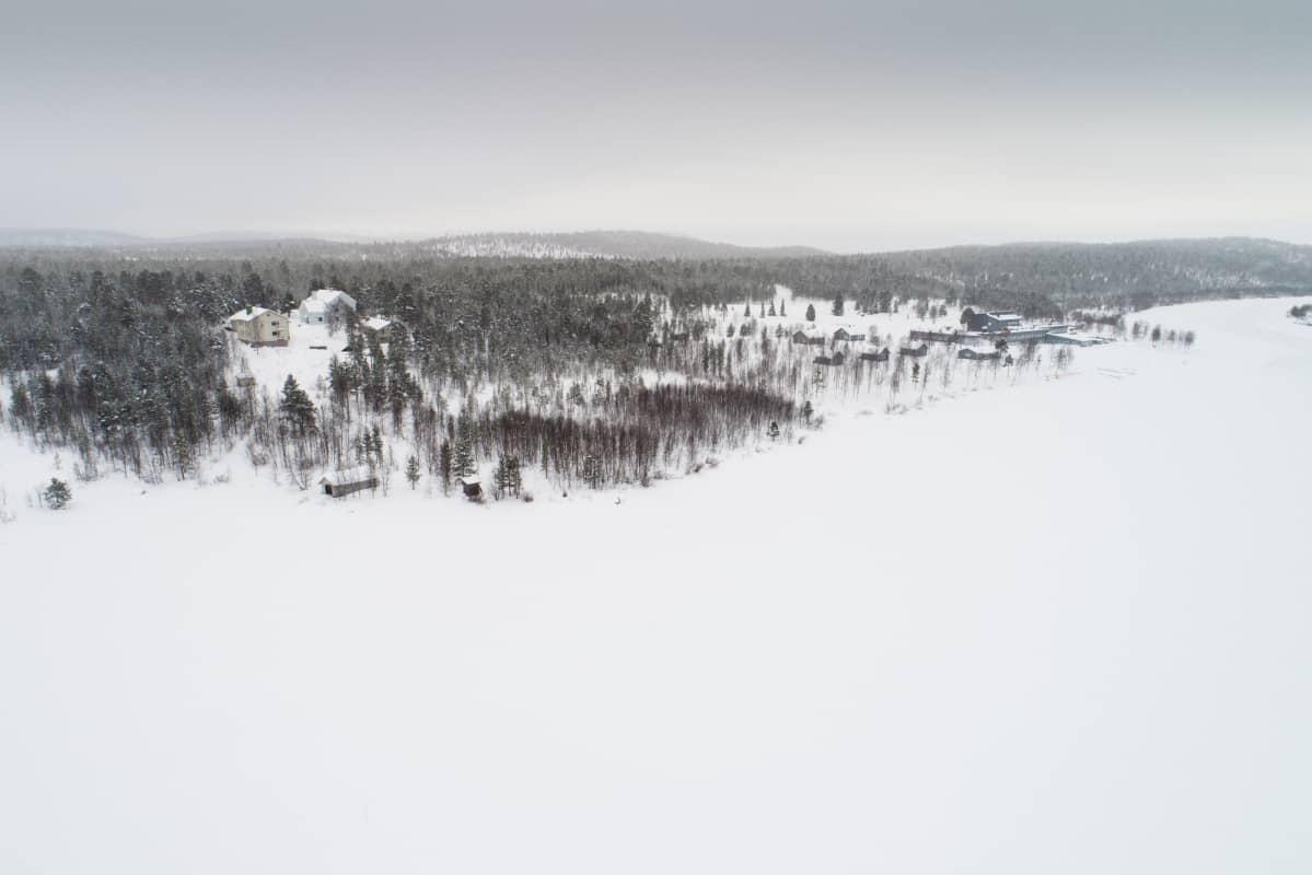 Vanha Riutulan koulu Inarissa toimi yhtenä koulukotina.