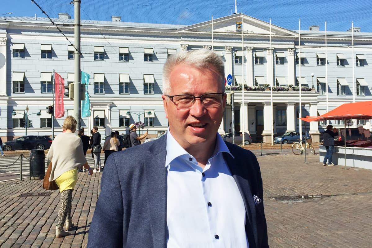 Kokoomuksen kaupunginvaltuutettu Risto Rautava